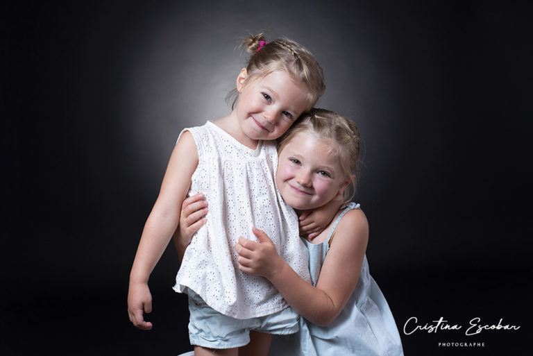 Câlin-entre-soeurs